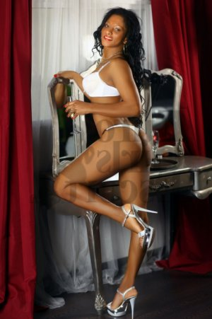 Zeinab escort girl in Aiken