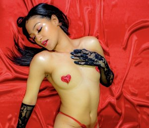 Ipek asian escort girls