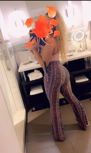 Jocelaine asian live escorts