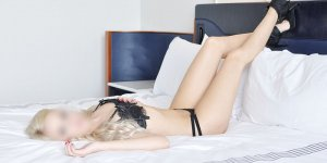 Anielle escort girls in Wyndham VA