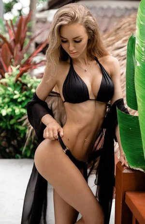 Anina escort girl in Wyndham Virginia