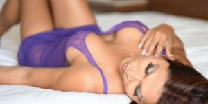 Lorie escorts in Evergreen Park IL